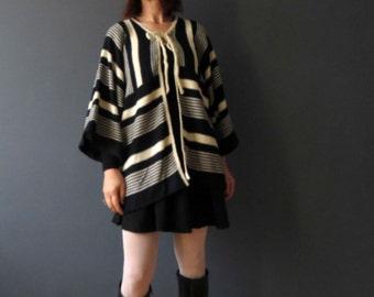 70s Black Ivory White Southwestern Cardigan Sweater Box Sleeve Acrylic Vegan Medium Large