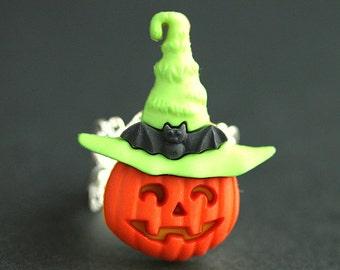 Pumpkin Ring. Halloween Jewelry. JackoLantern Ring. Green Ring. Halloween Ring. Jack o'Lantern Ring. Silver Adjustable Ring. Handmade Ring.