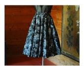 SALE / vintage 1950s skirt / 50s black printed circle skirt / size xs small