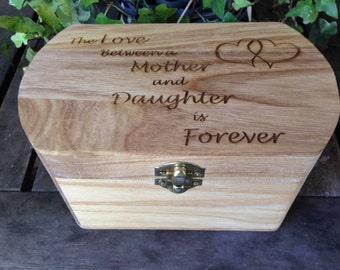 Mother-Daughter Box Oval - Laser Engraved