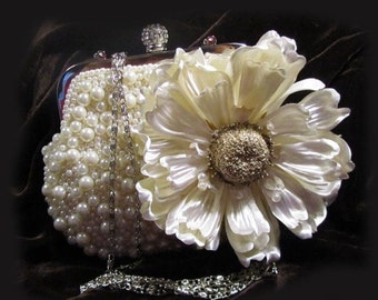Bridal clutch, wedding clutch, Pearl clutch, Crystal clutch, evening bag, Ivory clutch, Party clutch, bridesmaid bag, wedding bag, Gift