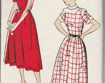 1940's Sewing Pattern New York Pattern 855 dress size 15 bust 33