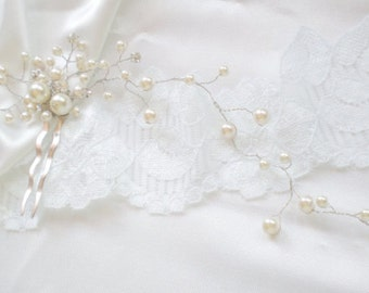 Bridal Hair Vine. Pearl Rhinestone Comb. Luxe Prom. Swarovski Pearls. Elegant Evening Wear. Vogue Modern Bride Headpiece Vine. Bride