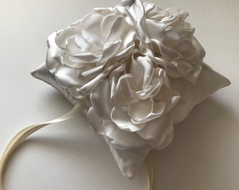 Wedding Pillow - Three Flower, Ring Bearer Pillow in Cream - Ivory, Off White, Antique White, Flower Pillow, Wedding Accessories, 6x6 inches