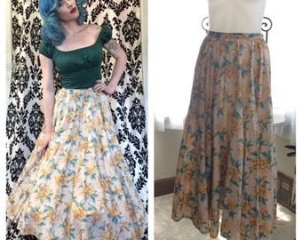 TROPICAL CUTIE in this 80s does 1950s tropical flower skirt.
