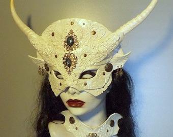 Pearl White Gothic Venetian