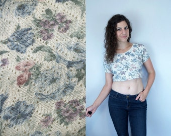 1990s Vintage Cream Pastel Floral Print Sweater Crop Top Belly Shirt / Short Sleeve Flower Pattern Knit Cropped Blouse / Small Medium S M