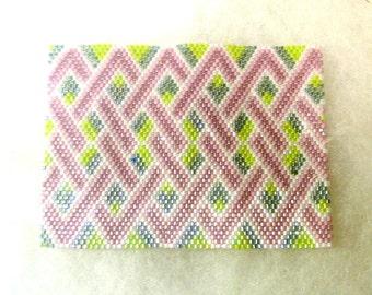 Beaded ACEO Mat - Pink Link Trellis on Green - - OOAK   1636