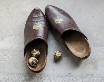 French Wooden Shoes // 1930 Vintage Children's Clogs // Rustic Farm Decor