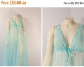 """CLOTHING SALE Vintage Nightgown 