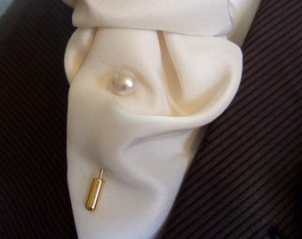 Cream Flat Back Swarovski Pearl Tie Stick Pin