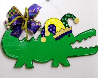 Mardi Gras Door Hanger, Alligator Door Hanger, Whimsical Alligator, Mardi Gras Alligator, Carnival Door Hanger, Mardi Gras, Fat Tuesday