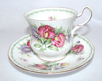Rosina Queens Fine Bone China Teacup and Saucer set, Special Flowers, Sweet Pea
