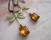 Topaz libellule boucles d'oreilles - bijoux romantique - verre Vintage Woodland gouttes - bijoux - libellule - cadeaux pour elle