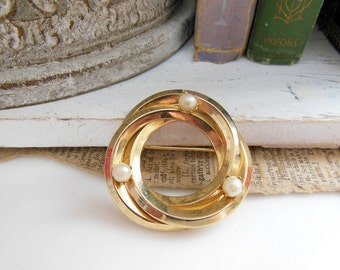 Vintage Genuine Pearl Yellow Gold Tone Infinity Knot Brooch Pin KK8