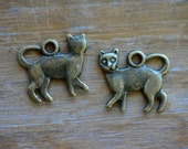 Cat Charm -  Vintage Style Pendant - Antique Bronze - Kitty Kitten Charms Jewelry Supplies ()