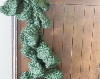 Hunter Green Curly-Q Scarf