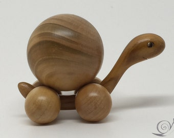 Toy Turtle movable  wood  natural colour  | Size: 8,5 x 6,5  x 5,0 cm (b x h x s)  approx. 58,0 gr.