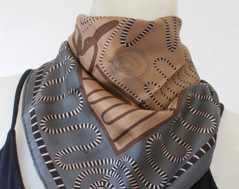 Perry Ellis Geometrical Line Patterned Scarf