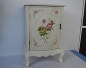vintage,French shabby chic,handpainted roses,chippy paint,wooden cabinet,oval roses cartouche