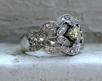 Beautiful Vintage 18K White Gold Diamond Engagement Ring - 0.50ct.