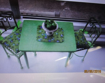 Dollhouse Miniature Table And Chairs   Free Shipping