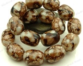 Dark Brown and White Oval Glass Beads - 16x12mm Smooth Mottled Beads, Shiny Bohemian Beads, Barrel Beads - 12pcs - BL25