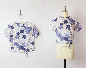 vintage 60s blouse / 1960s floral top / blue purple white floral print top / button back blouse / garden party top