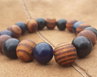 Opaque Sapphire and Wood bead bracelet