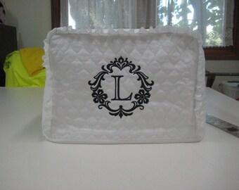 """Toaster Cover 4 slice, white , Damask Frame Letter""""L"""""""