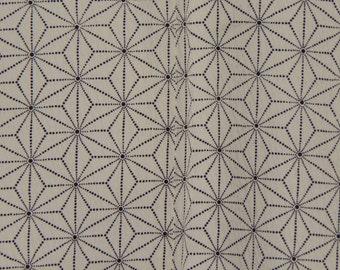Women's White kimono - Hemp Leaf Pattern (WKWH-TC7 916 E)