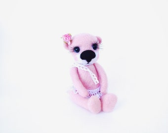 Needle Felted Bear -Felt Art Doll - Collectible artist Teddy  - Needle Felted artist teddy bear- Felt Bear -  Felted  art toy - Pink Bear