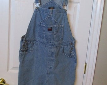 VTG Bib overall shorts measured Size 36 X 5 faded denim jean bib overall shorts size 15/16 large