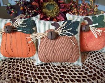 Country Pumpkins Bowl Filler Pillow Tucks