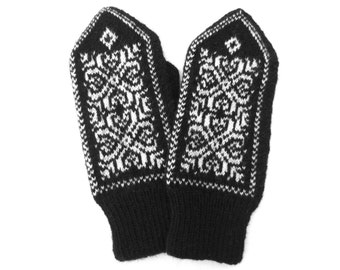 Merino wool mittens with Snowflake pattern,Warm winter glove,Black white wool mittens,Scandinavian knitted womens mittens,Gifts idea for Her