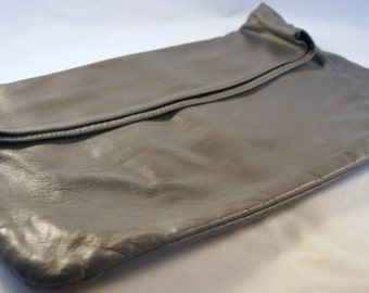 Vintage Leather Gray Clutch / Purse 70's - Fabulous