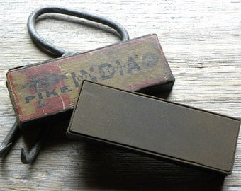 Antique Rare Maine Blacksmith Shop The Famous Makers of the Pike INDIA OIL STONE w/ Original Box, Looks Never Used, Fine Condition