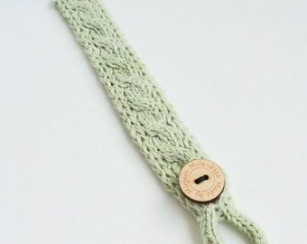 Mint Green Pacifier Clip Knitted with Soft Cotton Cables and Wooden Button Baby Newborn Present Gift