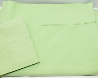 Vintage Twin Flat Sheet and Pillowcase, Solid Green Bedding, Crafting Quilting Fabric, Dorm or Guest Room Linens, Spring Green