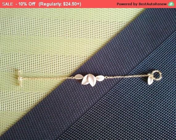 Five Leaves Charm Bracelet - Bangle Bracelet,Friendship bracelet, Chain Bracelet, Braidmaid Gift