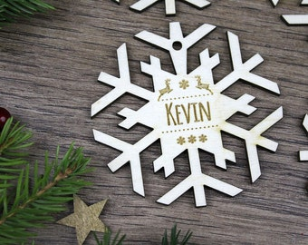 4x Personalized Christmas Wooden Snowflakes / Engraved Wood Ornaments / Christmas Gift for Children / Wedding Giveaway