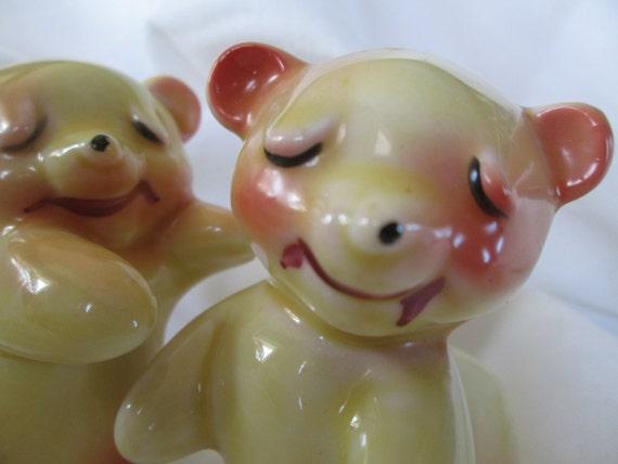 Vintage van tellingen bear hug salt and pepper shakers cute - Hug salt and pepper shakers ...