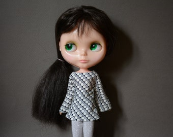Bell sleeved black patterned retro mod style dress for Blythe Pullip Dal licca and similar dolls