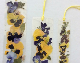 Laminated bookmarks number 333 yellow pansies purple violas