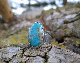 Natural Turquoise Sterling Silver Ring. Wide Textured Double Layered Silver Band. Feather Cut Out Under Stone. Sky Blue Turquoise. US 5 1/2
