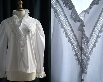 "White blouse, long sleeves, ""broderie anglaise"" Vintage 1970's/80's"