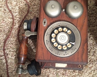 Vintage wooden dial tone antique look phone WORKS! Antique style phone