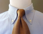 Vintage Brooks Brothers MAKERS 100% Silk Brown Linear Squares Patterned Trad / Ivy League Neck Tie.  Woven in England.  Made in USA.