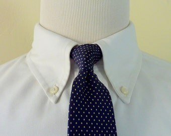 BEAUTIFUL Vintage Lord & Taylor The Man's Shop Navy Blue and White Pin-Dot Trad / Ivy League Neck Tie.
