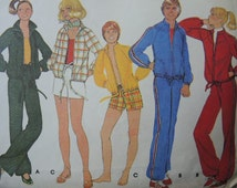 vintage 1970s McCalls sewing pattern 5685 misses unlined jacket and pants or shorts size small uncut